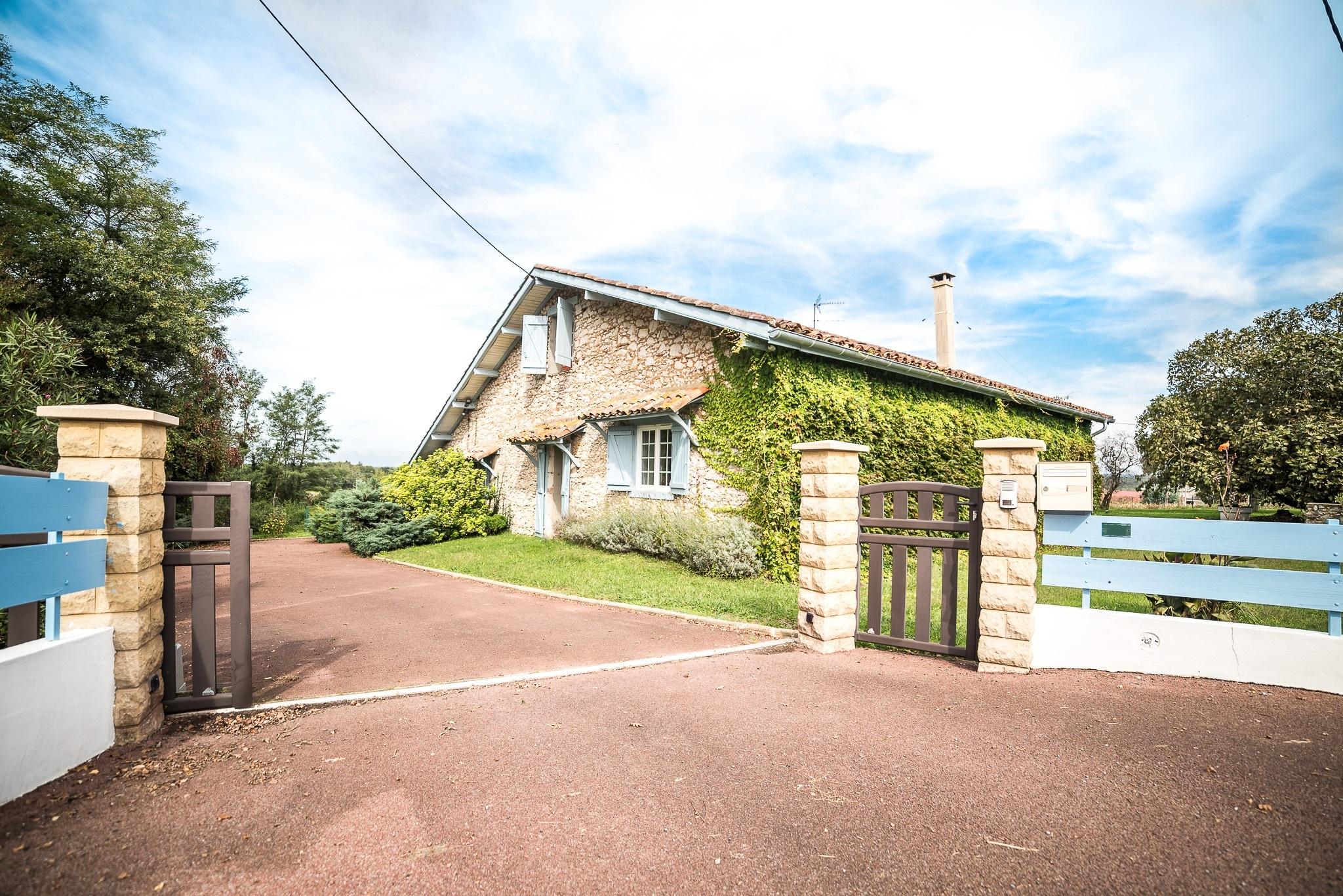 Vente maison villa pouillon pouillon 40350 for Appartement atypique dax