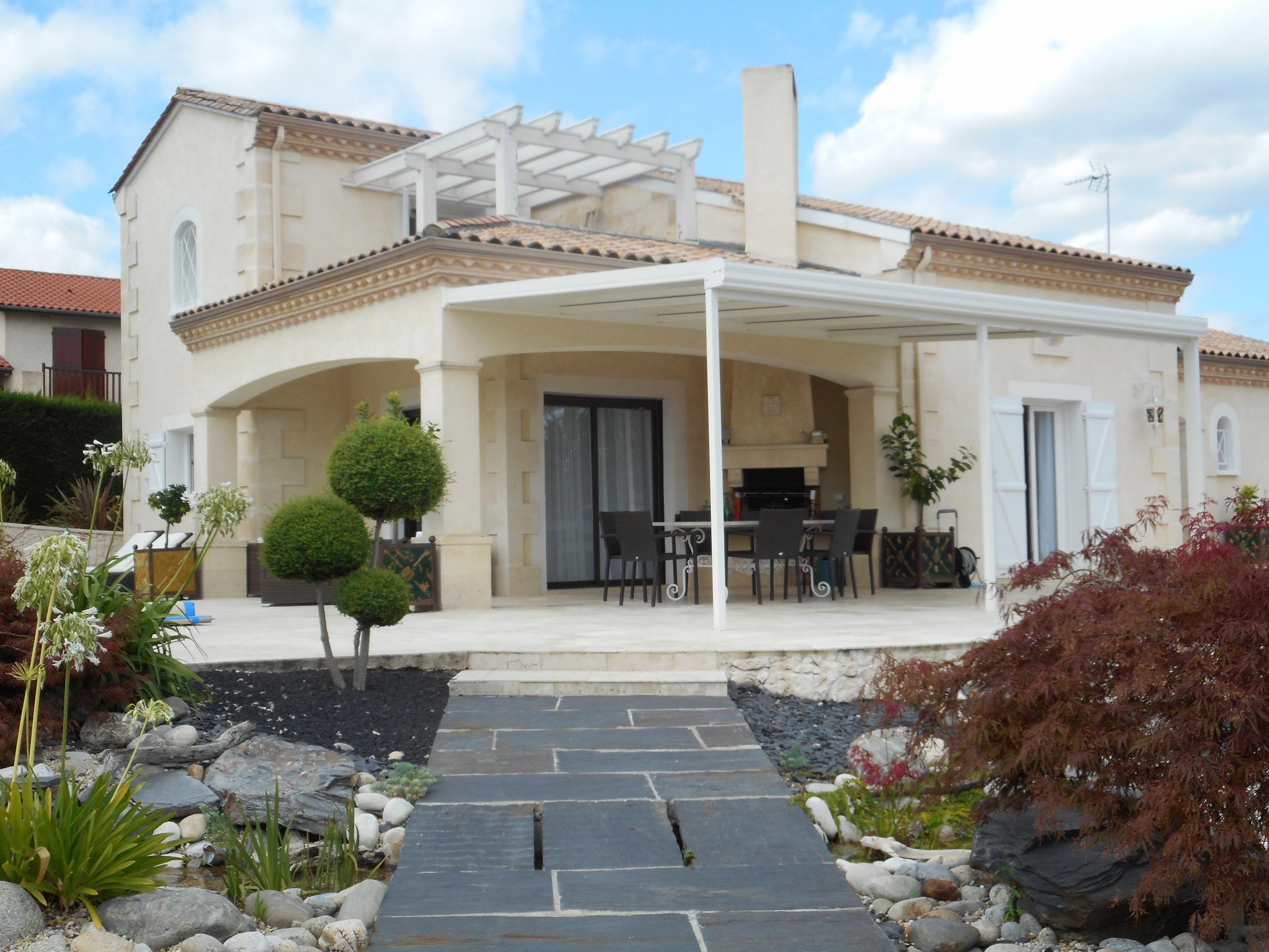 vente maison/villa 8 pièces Rions 33410
