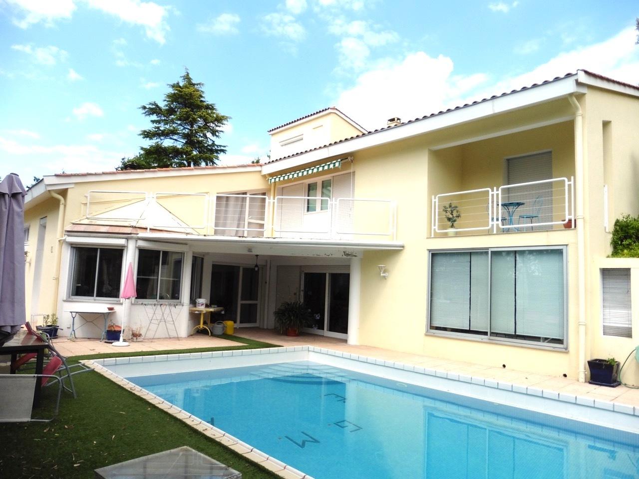 vente maison/villa 8 pièces Cancon 47290