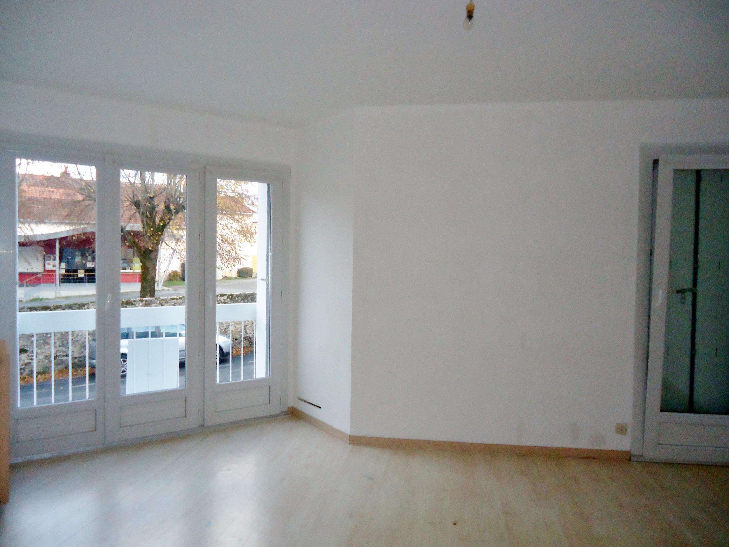 vente Appartement 2 pièces Parthenay 79200