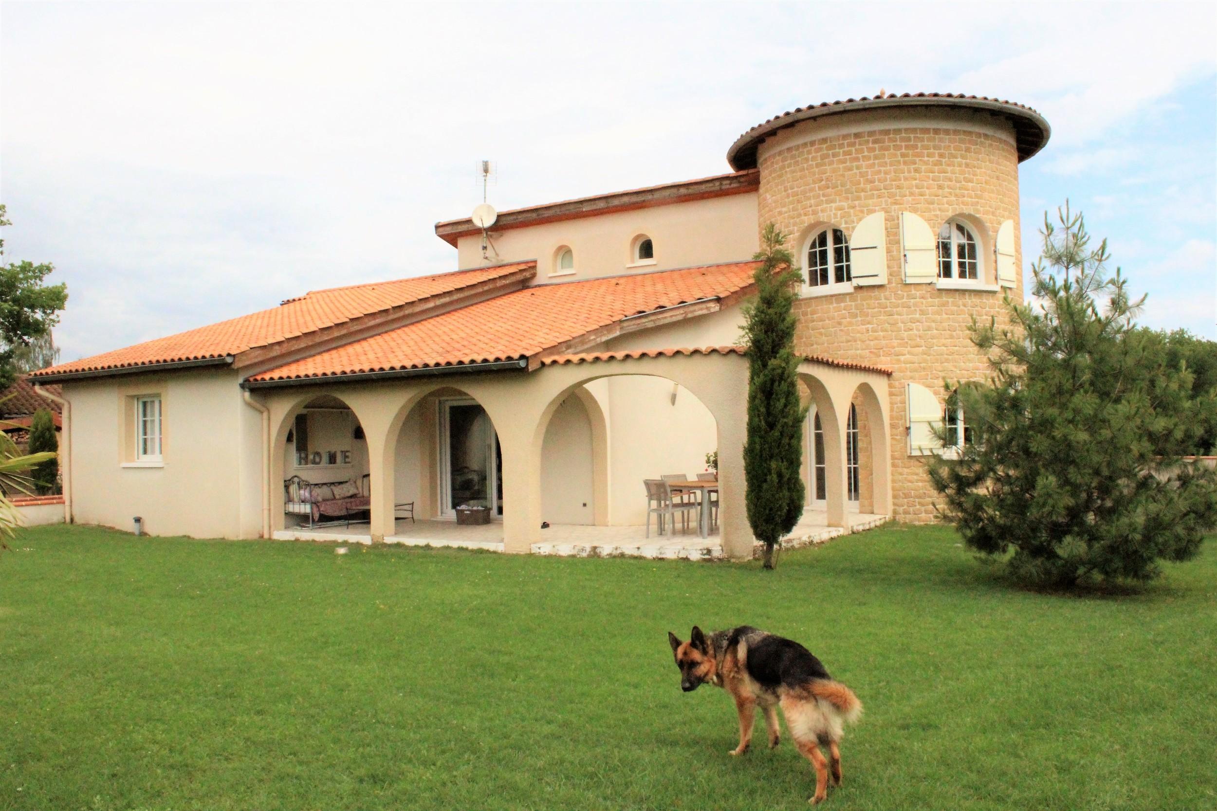 vente maison/villa 9 pièces Poncins 42110