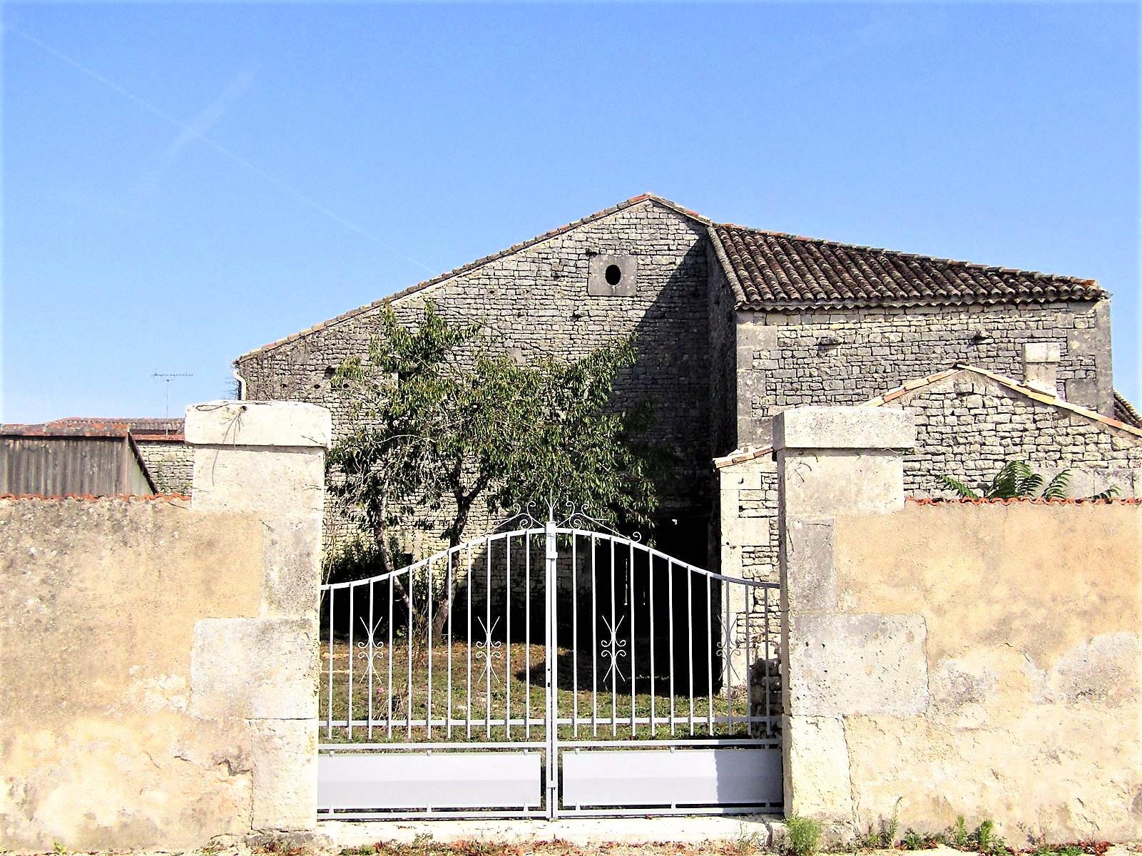 vente maison/villa 3 pièces Hiersac 16290